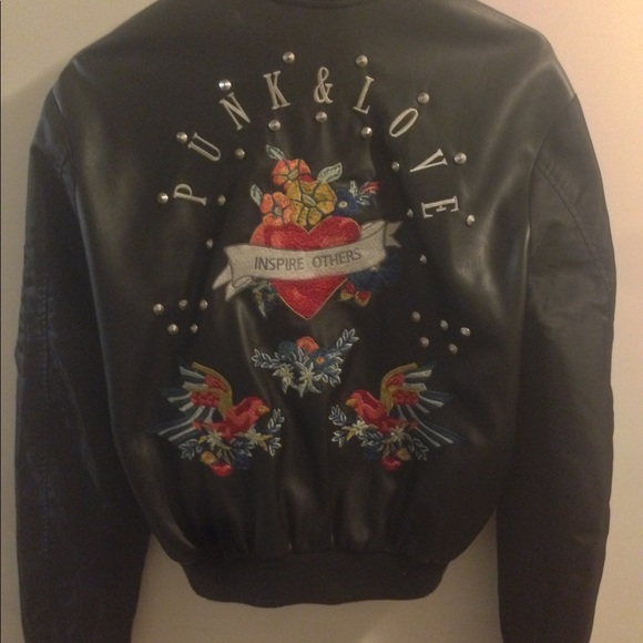 Zara Jackets & Blazers - Faux leather boomer jacket